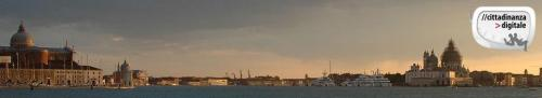 cittadinanza digitale gru venezia bacino san marco