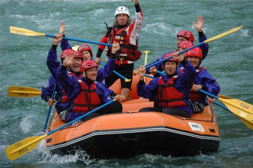 foto-onda-selvaggia-formazione-outdoor-con-rafting-studio-baroni